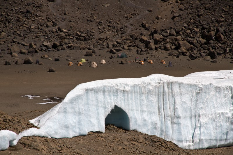 Gletschertor vom Reusch-Crater gesehen